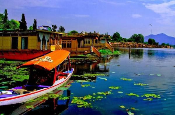 Romantic Getaway To Kashmir Tour