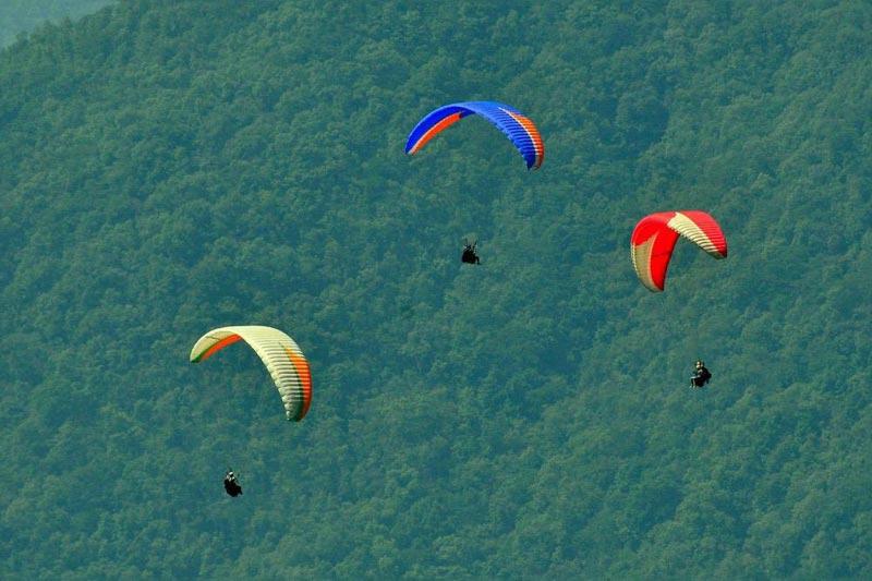 Paragliding in Darjeeling, Sikkim Tour