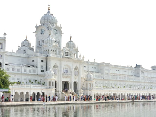 Amritsar With Dharmshala Tour