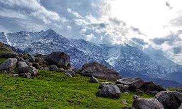 Trek to Lahesh Cave Tour