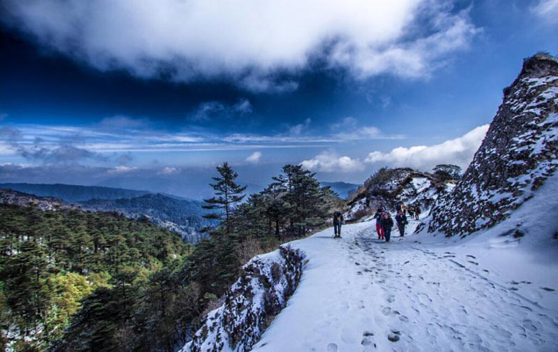Singalila to Sandakphu Trek Tour