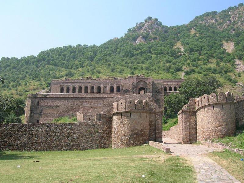 Jaipur (1) – Bikaner (1) – Jaislamer (2) – Jodhpur (1) - Mount Abu(1) - Udaipur (2) Tour