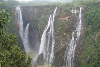 Romantic Pachmarhi Package
