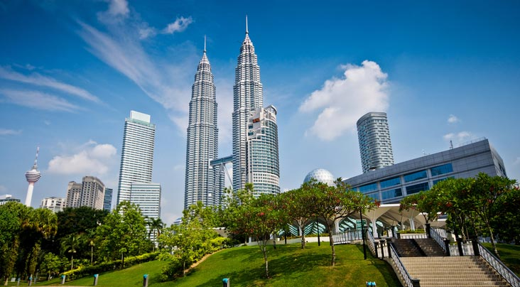 Singapore and Malaysia 4 star Package for 6 days