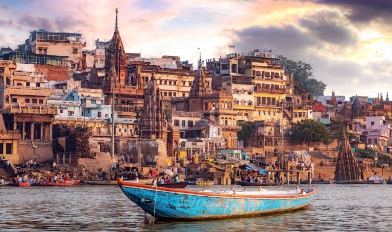 02 Nights & 03 Days Kashi Darshan Tour Package