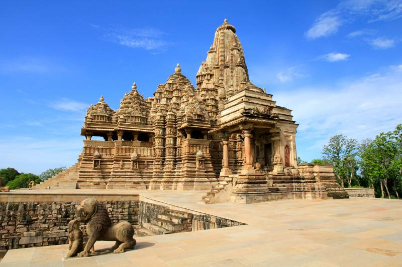 Golden Triangle With Orchha, Khajuraho And Varanasi Tour