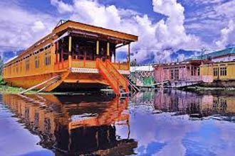 Taste of Kashmir 4N-5D Package