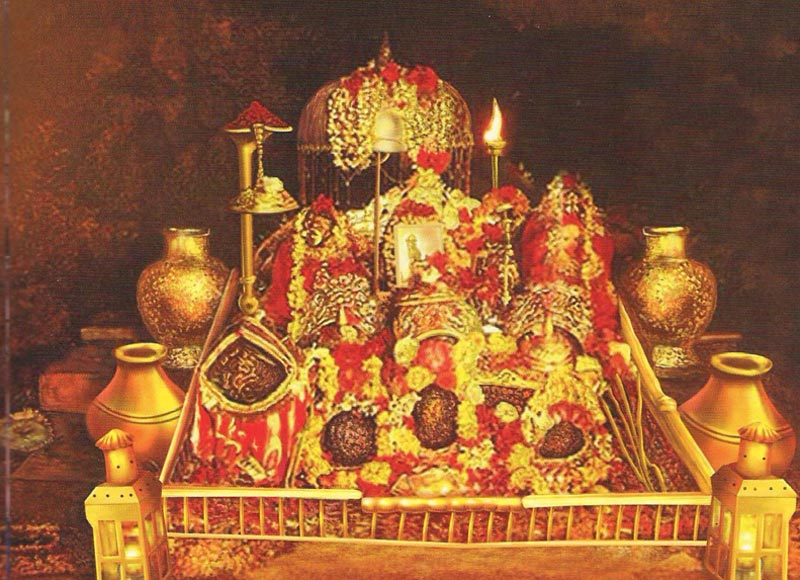 Vaishno Devi Yatra from Delhi (Volvo Bus Included)3N-4D Package
