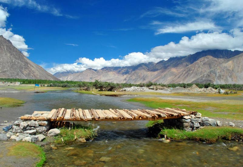 Leh-Turtuk-Nubra-Pangong-Leh 6 Nights/7 Days Tour