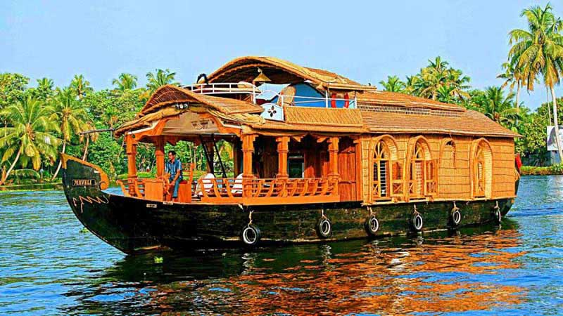 Munnar - Alleppey  Backwater Cruise Tour