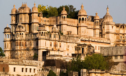 Golden Triangle with Ranthambhore, Udaipur & Kerala