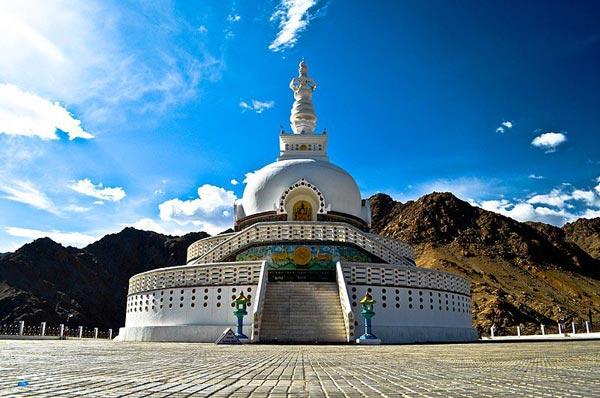 Land of The Lama Tour