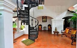 Kerala Luxury Package (8n/9d),  (munnar 3n, Thekkady 1n, Kumarakom 1n, Alleppey 1n, Kovalam 2n)