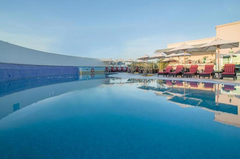 Dubai - Holiday Inn Bur Dubai Tour