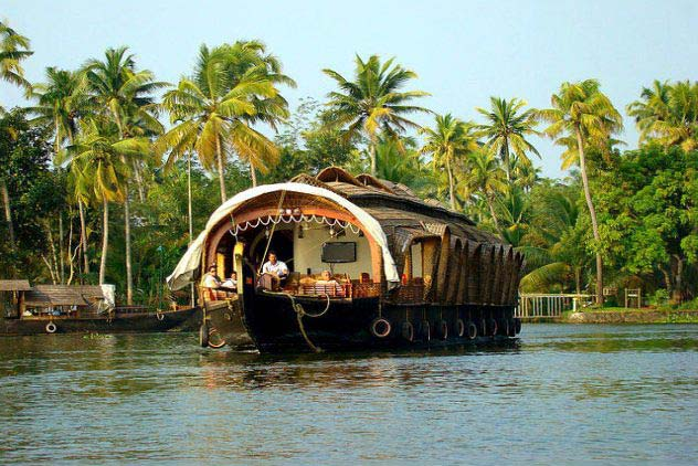 Alleppey Houseboat Trip Tour