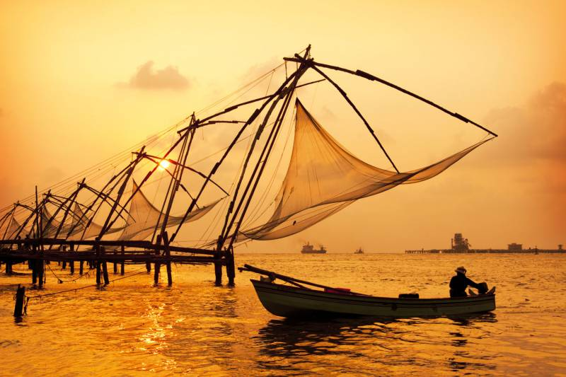 05 NIGHTS / 06 DAYS DELUXE KERALA TOUR PACKAGE