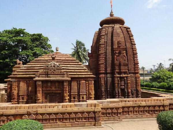 Golden Triangle Tour in Orissa