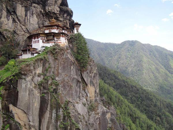 North East with Bhutan Tour Package