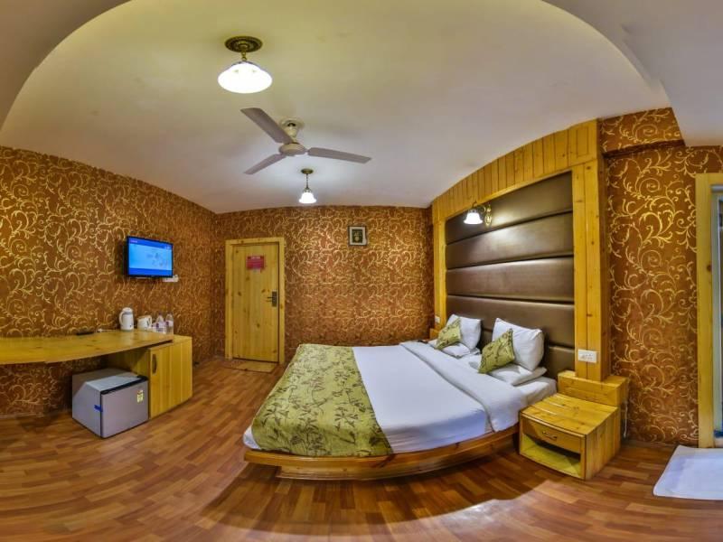 Kolkata to Kolkata by AIR Dal Jeel Kashmir Special Packages