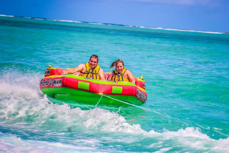 The Incredible Ile Aux Cerfs: Speed Boat, Grse Waterfalls, Lunch & Tube Riding