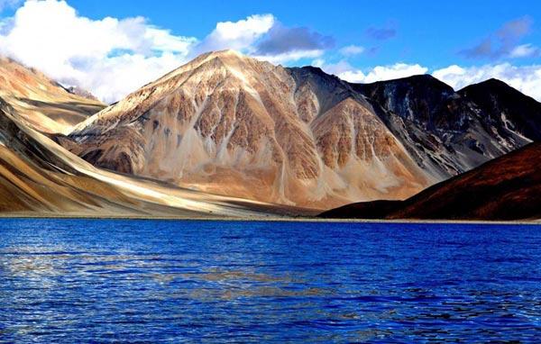 Ladakh Tour 06 Nights & 07 days