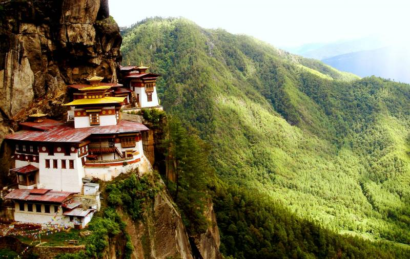7 Nights 8 Days Breathtaking Bhutan Tour