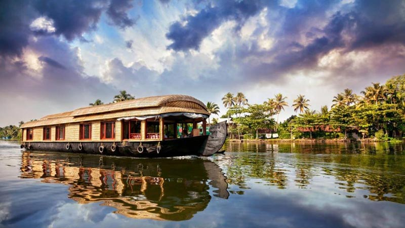 Kerala Hill Stations, Wild Life, Backwater and Beach Packages