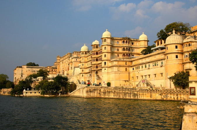 Golden Triangle with Lakes Tour