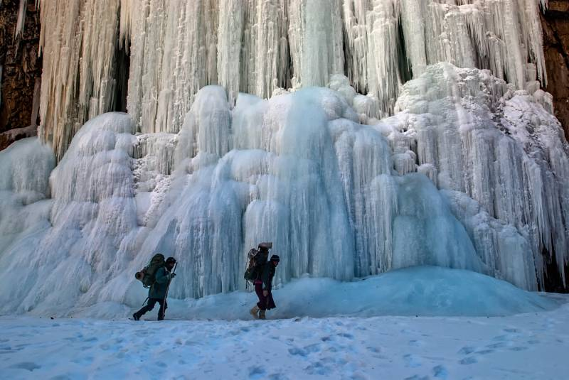 Chadar Frozen River Trek Tour