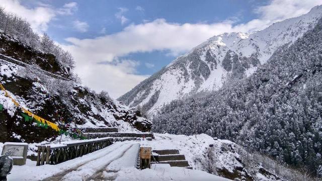 Tosar Lake Trek Tour : North Sikkim