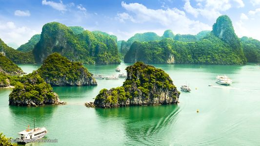 Vietnam with Sapa and Halong Bay Cruise Tour