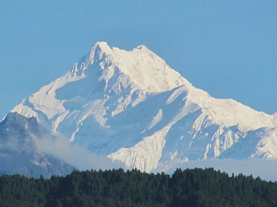 Discover East Himalaya Tour