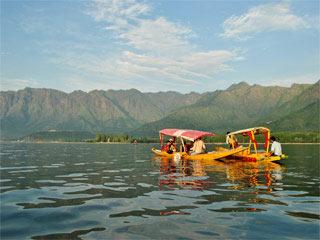 A Pampering Getaway to Vivanta By Taj, Srinagar Tour