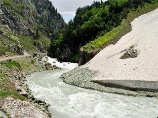 Resplendent Beauty of Kashmir Tour