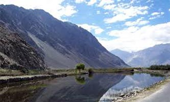Ladakh - land of high passes tour package