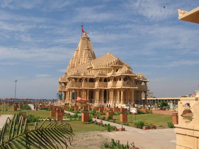 Dwarika Darhan Via Ahmedabad Tour ( 4 Night – 5 Days )