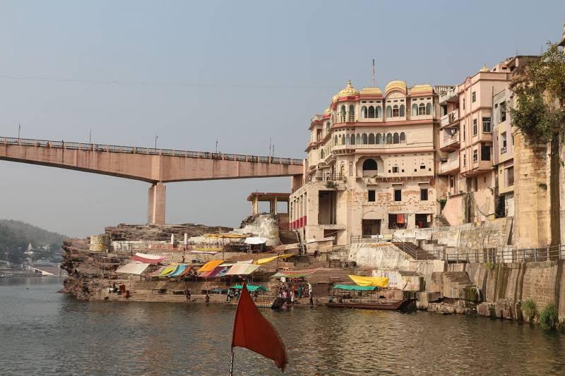 Ujjain Omkareshwar Maheshwar Indore Tour