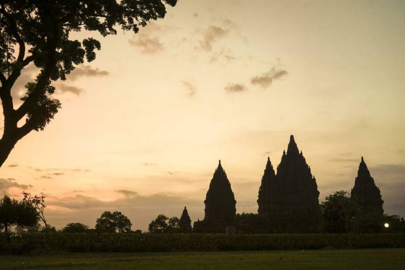 Borobudur - Prambanan Temple Package Tours
