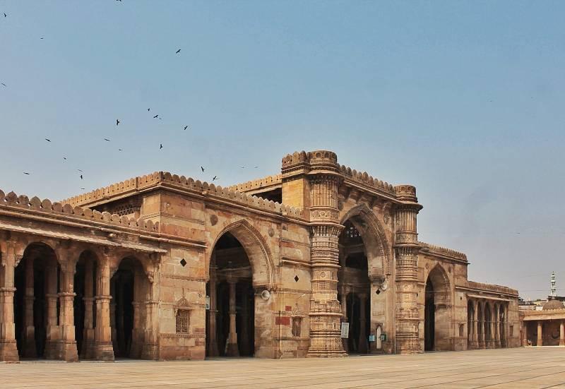 Exciting Gujarat With Diu Tour