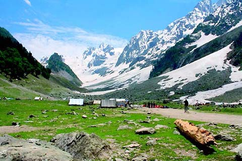 Srinagar 3 star Package for 5 days with Day Excursion to Gulmarg and Pahalgam
