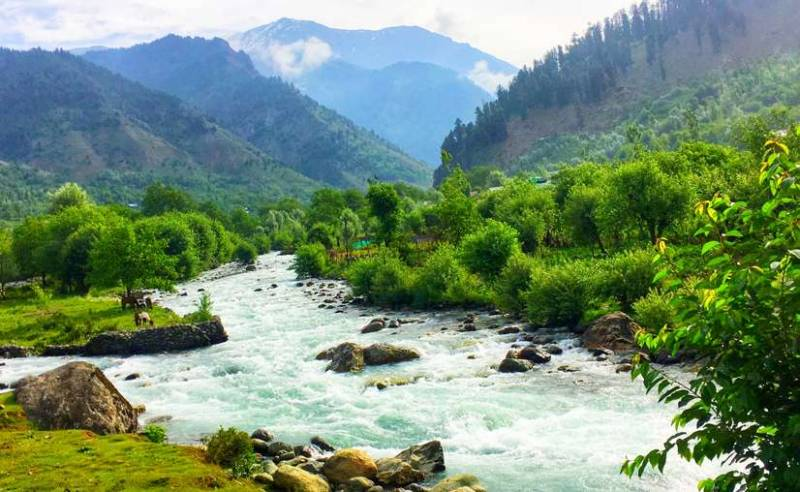Srinagar, Pahalgam with Gulmarg excursion Deluxe Package for 5 days