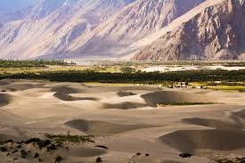 Ladakh Via Srinagar Tour