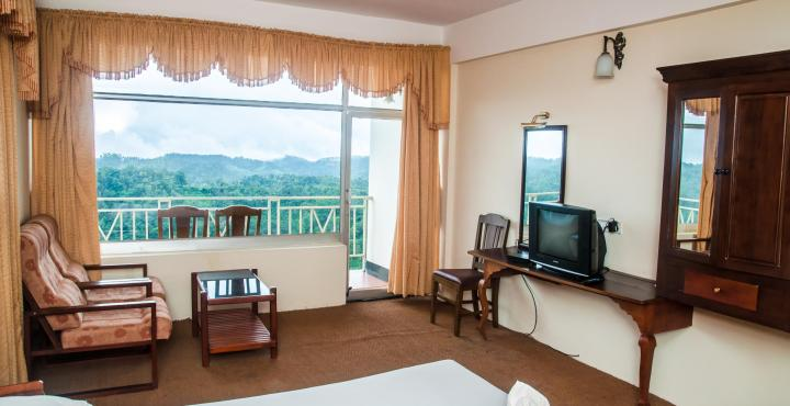 Spice Country Resorts Honeymoon Package in Munnar
