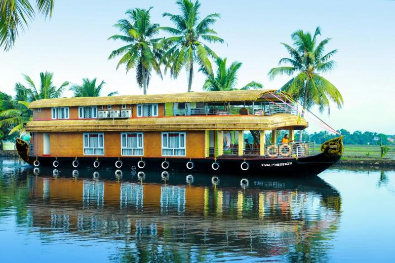 Honeymoon In Houseboat Tour