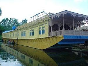 Exotic 3 N / 4 D Kashmir Tour