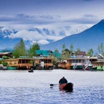 Kashmir Houseboat Holidays Package