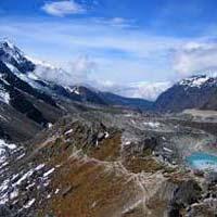 Kangchendzonga Trek Package