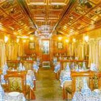 Palace On Wheel Tour