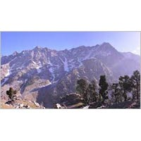 Trek to Lahul Valley over Indrahara and Kugti pass Tour