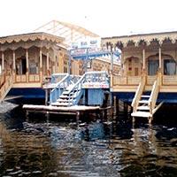 Srinagar Houseboat